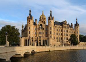800px-Schwerin-Schloss-gp2